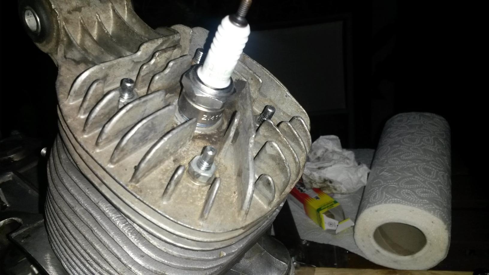 Zylinderkopf festziehen